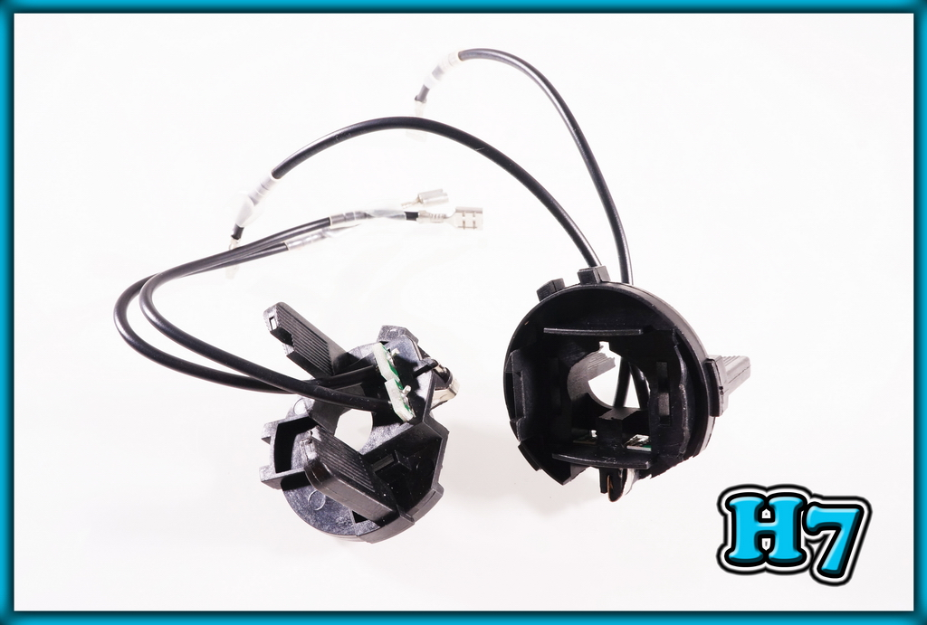 Iycorish Halogen Lamp Holder Low Beam Head Light Base for 6 MK6 7 MK7 Touran Sharan Scirocco R GTS 5K0941109